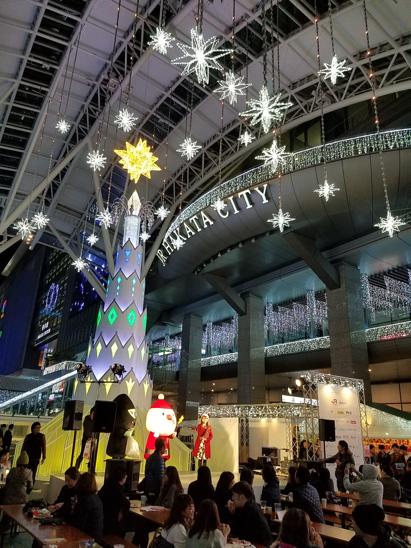 JR博多駅前のイルミネーションもキレイ